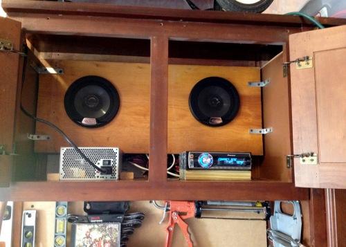 garage-stereo-03